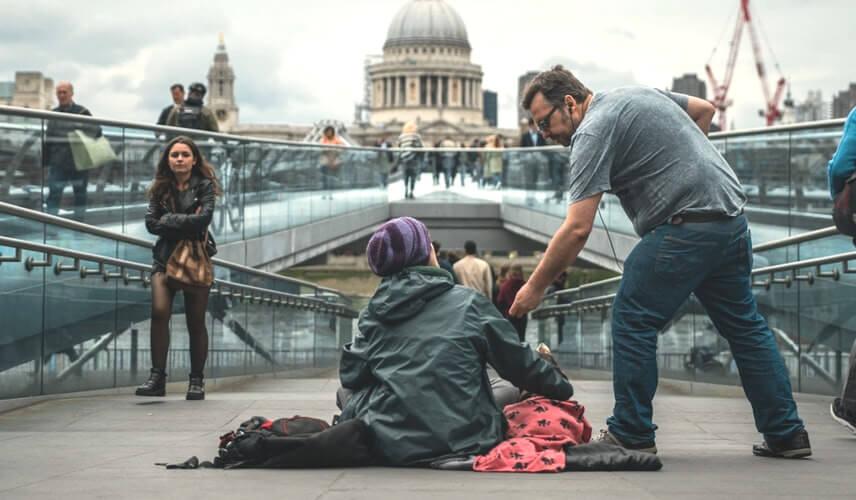 Hoe is de daklozenopvang geregeld in Nederland?